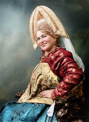 Woman-in-russian-traditional-dress