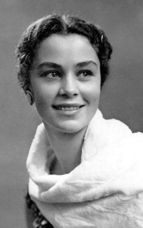 Zabotkina-Olga-sowjet-ballerina-bw