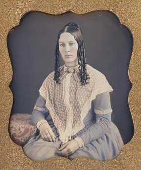Daguerreotype-portrait-of-a-young-woman-late-1840s-bw