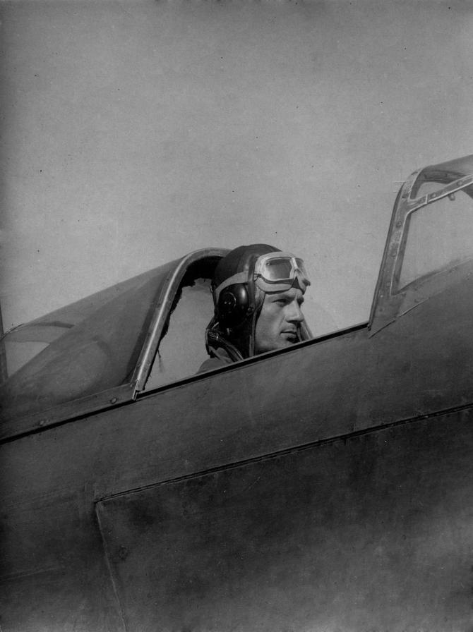 военный пилот, 40е годы 20го века